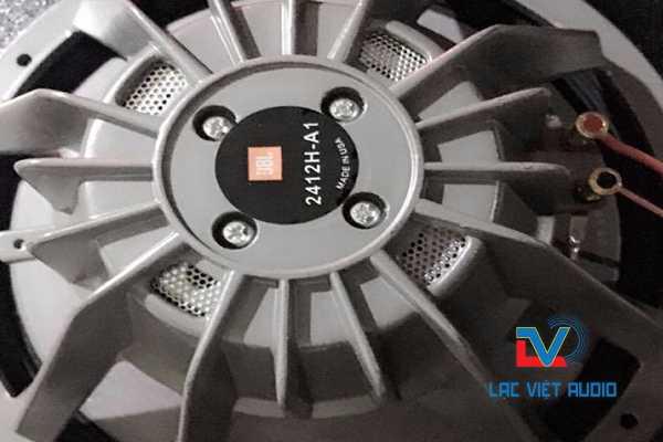 Củ bass từ NEO JBL 2412H-A1 được đánh giá rất cao bởi hiệu quả âm thanh mang lại