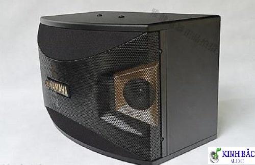 Mặt bên của loa Yamaha KMS 1000