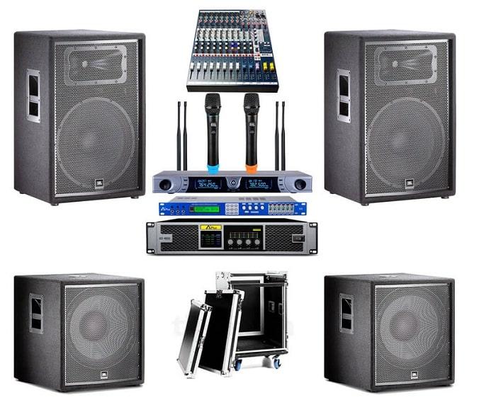 Các thiết bị cần có cho âm thanh hội trường chuyên nghiệp gồm: loa hội trường, micro, thiết bị xử lý,...