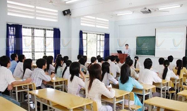 Lắp loa phòng học phải hướng về người nghe