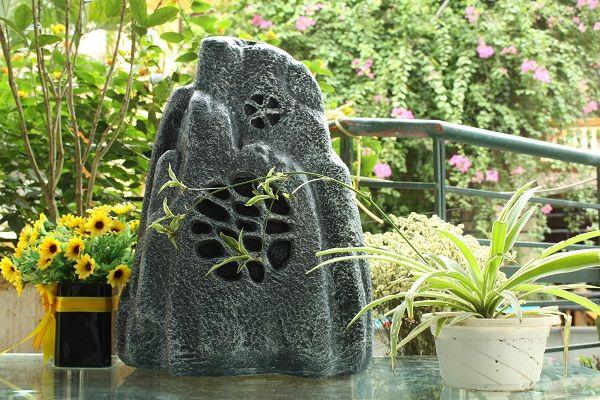 Loa sân vườn giả đá là gì?